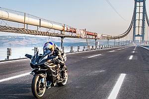 Motorrace: overig Nieuws Sofuoglu doorbreekt grens van 400 km/h op productiemotor
