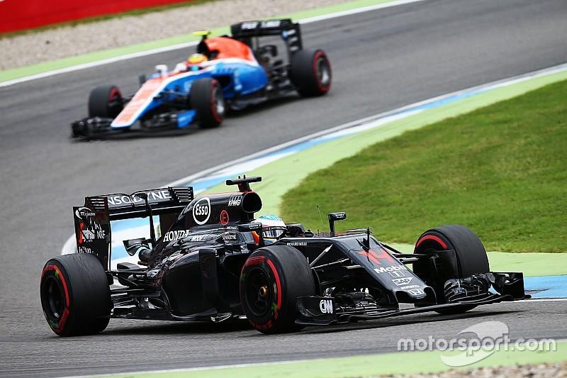 """Alonso over negatieve radioberichten: """"Zoveel klaag ik niet, hoor"""""""