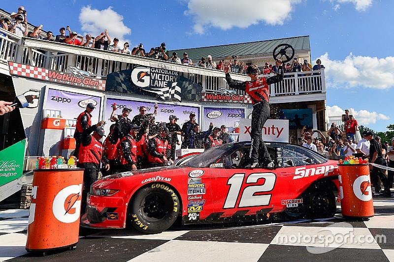 Logano termina el ayuno en Xfinity para Penske