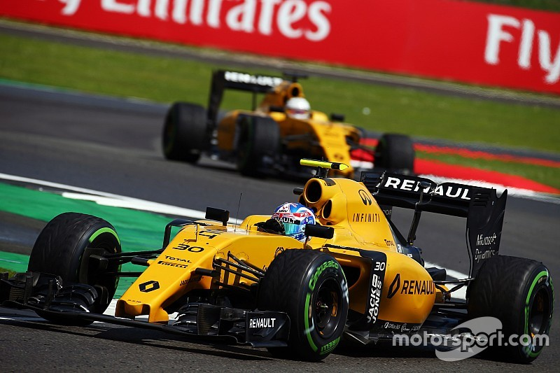 Renault over line-up:
