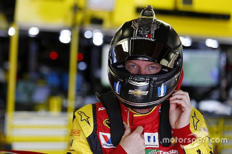 Earnhardt Jr. seguirá fuera debido a los síntomas de conmoción cerebral
