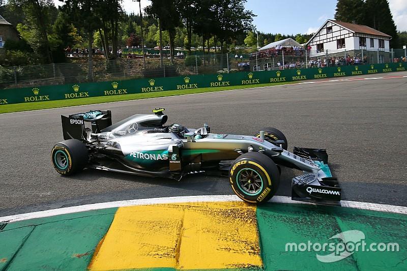Tussenstand: Rosberg verkleint achterstand, Verstappen blijft zesde