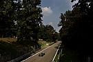 Hamilton snelste in derde training, Verstappen achtste