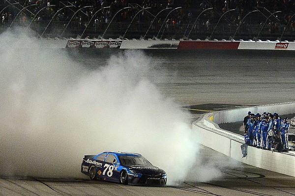 Martin Truex Jr. gewinnt NASCAR-Zeitreise in Darlington