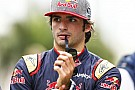 Sainz visszatért az alapokhoz: gokartozás F1-es cuccban