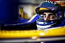 Amikor az ex-F1-es versenyző tátott szájjal alszik a repülőn