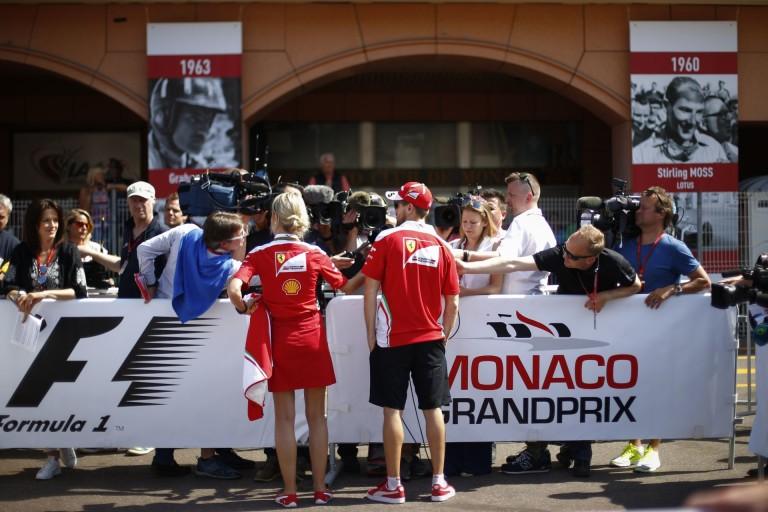 Raikkönen és Vettel is szakadt a nevetéstől