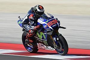 MotoGP Reporte de calificación Lorenzo vuelve a la pole en casa de Rossi