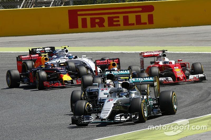 La F1 tiene que replantearse sus reglas, dice Briatore