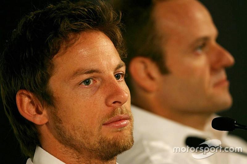 """Button """"volvería más fuerte"""" en 2018, asegura Barrichello"""