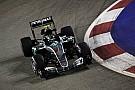 Rosberg snelste in tweede training Singapore, Verstappen derde