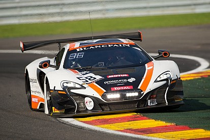 McLaren consegue título; brasileiros têm problemas mecânicos
