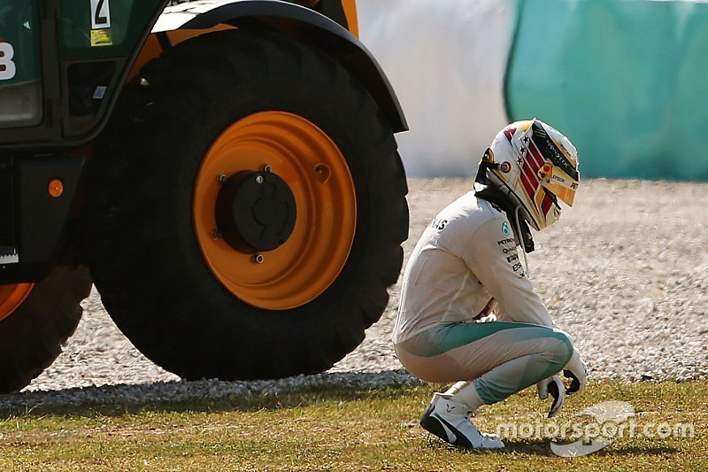 "Formel 1 in Sepang: Lewis Hamilton hat ""100-prozentiges Vertrauen in Mercedes"""