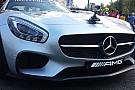 Ilyen az F1-es biztonsági autó anyós ülésén élvezni a száguldást Budapest utcáin: exkluzív