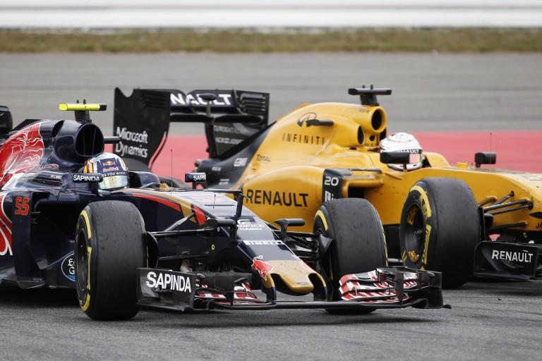 A Renault dobta Perezt, most Sainz és Ocon a kiszemelt?
