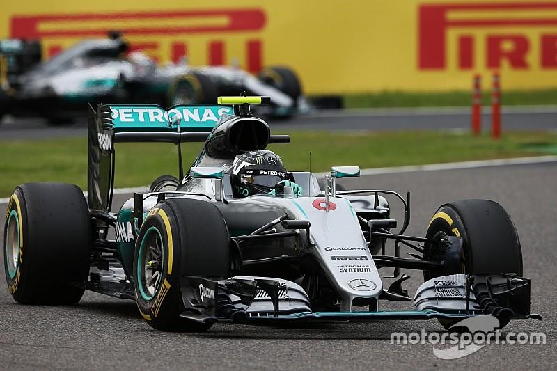 """Lauda: """"Si todo va normal, Hamilton ya no coge a Rosberg"""""""