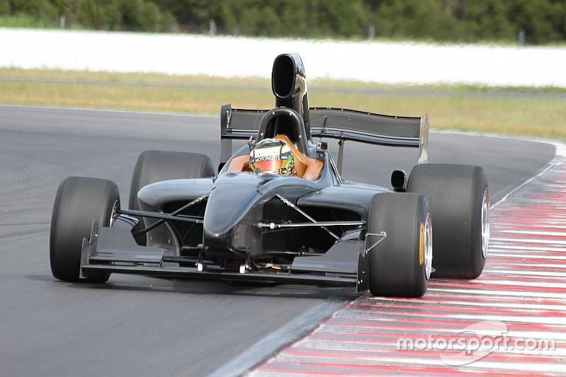Neues V8-Formelauto gibt Testdebüt in Australien