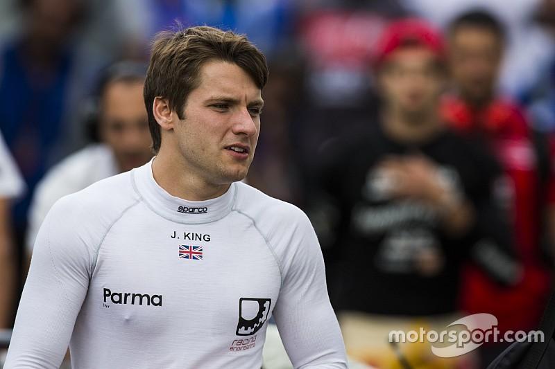King debutará en los libres de Austin con Manor