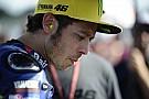 Terjatuh di Motegi, Rossi cedera patah tulang jari