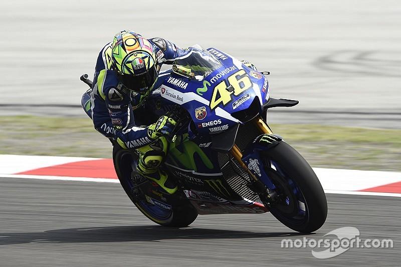 Yamaha по-прежнему проигрывает в переходных условиях, признал Росси