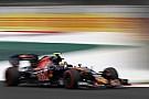 Carlos Sainz repite machada y se cuela en el Top 10