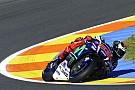 Lorenzo frena el ataque de Márquez en la primera jornada de Valencia