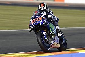 MotoGP Relato de classificação Com recorde, Lorenzo é pole em Valência; Rossi é 3º