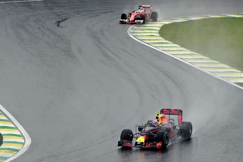 Феттель надіслав повідомлення Ферстаппену після Гран Прі Бразилії