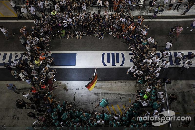 """""""Rosberg een waardig wereldkampioen"""", aldus Mercedes-bazen"""