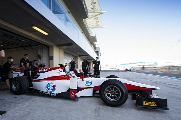Test Abu Dhabi, Day 2: i rookie Albon e Leclerc in grande evidenza