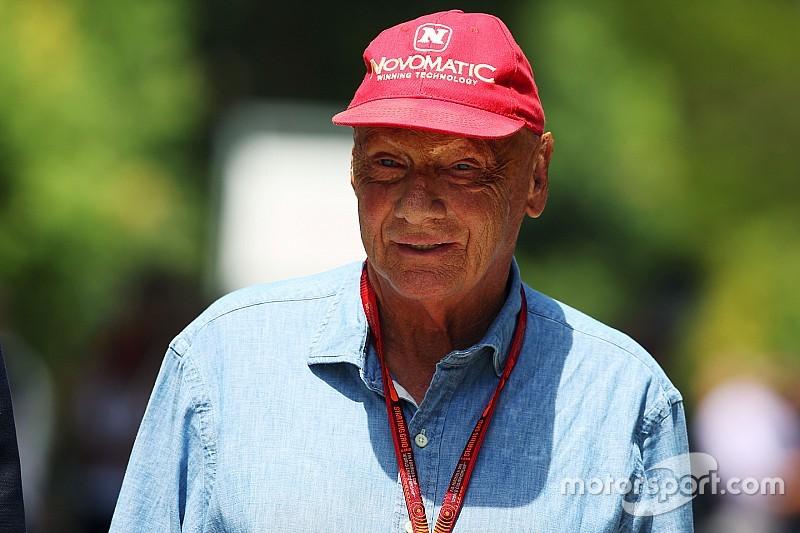 """Lauda: """"Halve deelnemersveld aast op Rosberg zijn plek"""""""
