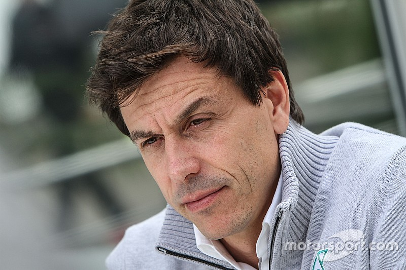 【F1】ウルフ、ハミルトンのチームメイトに「ビッグネームは不要」