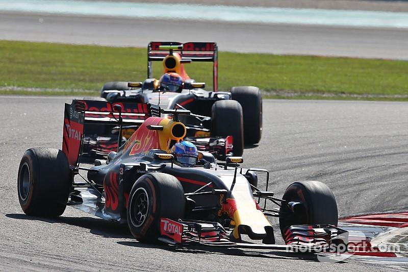 """Ricciardo: """"Red Bull Racing kan titelstrijd tussen Verstappen en mij aan"""""""
