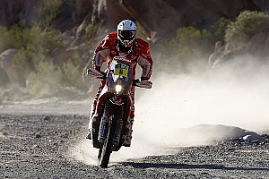 Dakar Ultime notizie Dakar, Moto: van Beveren penalizzato un minuto, Farres torna terzo