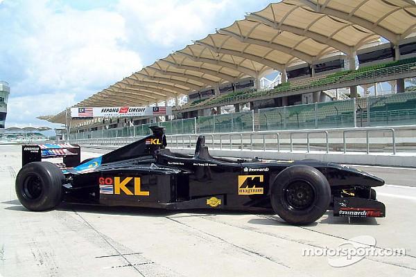 У двухместной Minardi сменился водитель