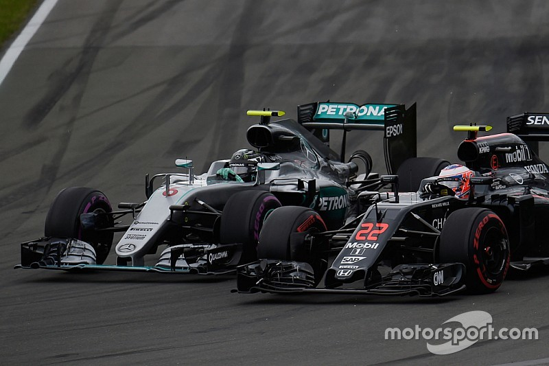 """McLaren - """"Pour égaler Mercedes, un copier-coller ne suffit pas"""""""