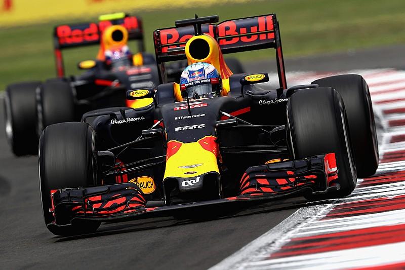 Webber pronostica que Ricciardo batirá a Verstappen en 2017