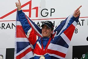 Formula Renault Breaking news Mantan pemenang balapan A1GP siap jadi mentor Presley Martono