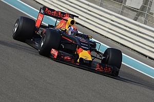 Formel 1 News F1-Teamchef: Pirelli-Reifentests haben Red Bull Racing 2017 geschadet