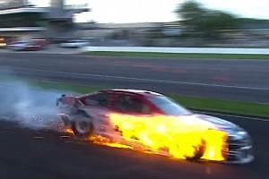 NASCAR Cup Últimas notícias VÍDEO: Fogo e fortes batidas marcam prova da NASCAR em Indy