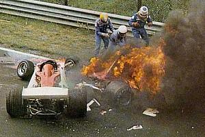 Formel 1 Historie Vor 41 Jahren: Niki Lauda überlebt Formel-1-Inferno am Nürburgring