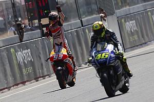 MotoGP Самое интересное Фото: 33 победы Росси и Маркеса за Honda