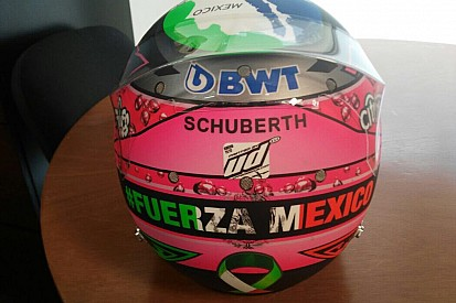 Checo Pérez presentó su casco para el GP de México