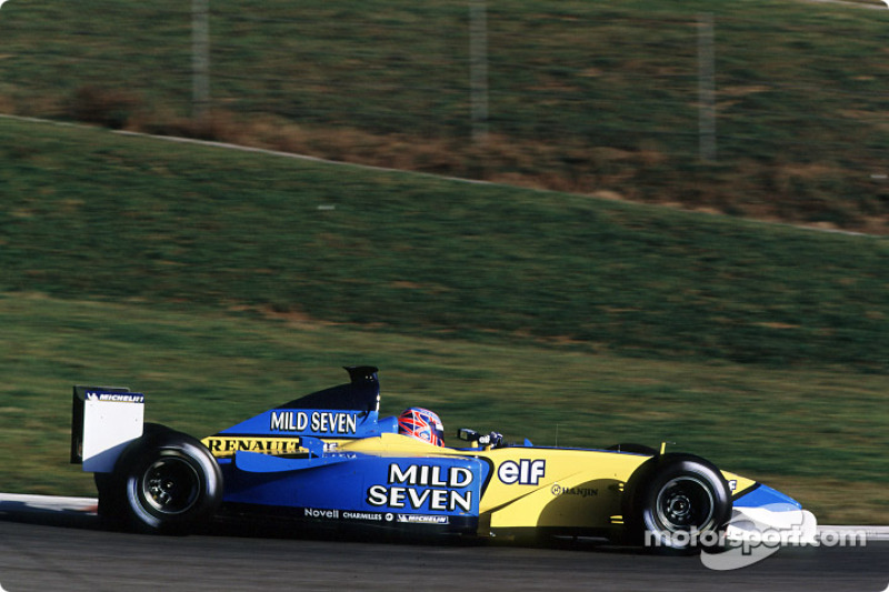 A equipe mudou de nome em 2002, para Renault, mas não de piloto