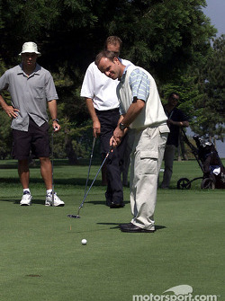 Barrichello and Ronaldo playing golf in Monte-Carlo