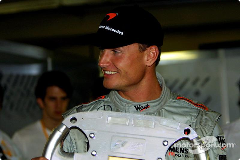 Trophée de vainqueur pour David Coulthard