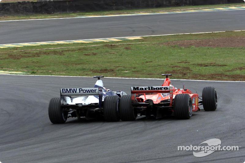 Recordamos el momento del sobrepaso de Montoya a Schumacher: