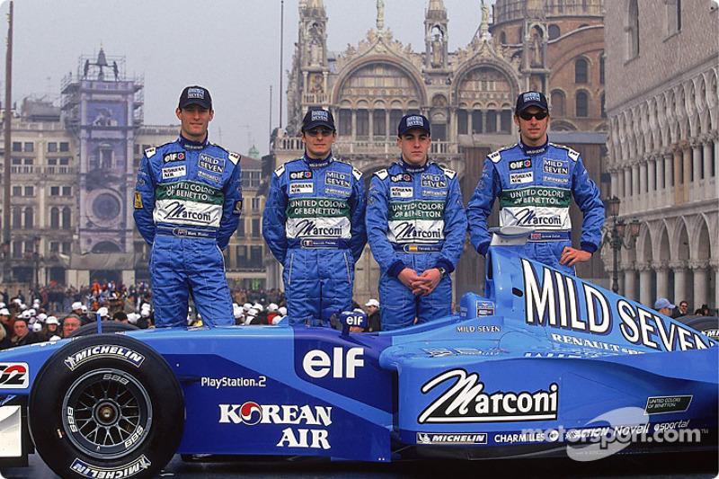 Mark Webber, Giancarlo Fisichella, Fernando Alonso, et Jenson Button lors de la présentation