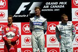 El podio: Michael Schumacher, Ralf Schumacher y Mika Hakkinen