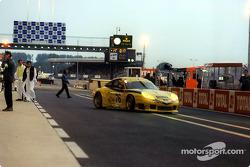 A Porsche 911 GT3R-S on pitlane